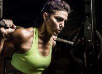 Woman-Weightlifting–blake-cortes-FI